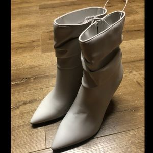 Marc Fisher Off White Slouch Bootie sz 7.5